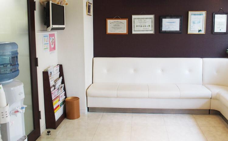 川崎市野上歯科医院 受付の写真